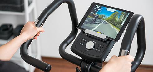 Vélo d'appartement cardiostrong BX30 Plus 300 000 km de route à parcourir en vidéo