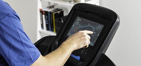 cardiostrong Laufband TX50 Große 10,1 Zoll Touchscreen Konsole