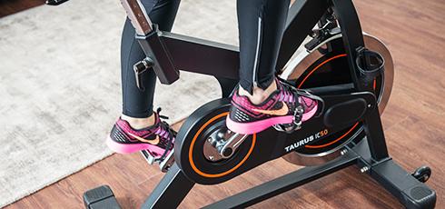 Vélo de biking Taurus IC50 Stabilité élevée grâce à la roue d'inertie