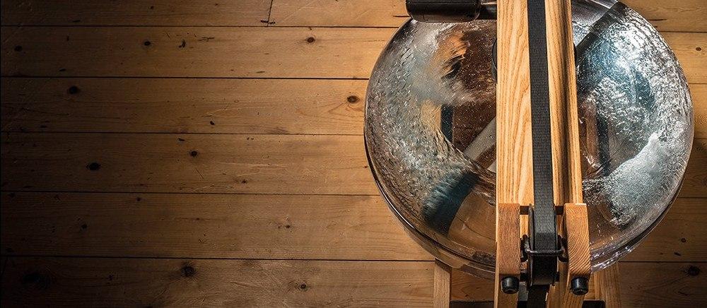 WaterRower romaskine med vandmodstand