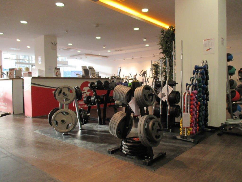 sport tiedje in berlijn nr 1 in europa voor fitnessapparatuur. Black Bedroom Furniture Sets. Home Design Ideas